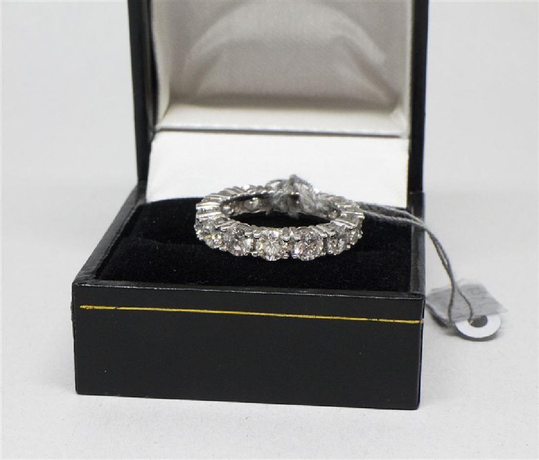 14k White gold 14 DIamond Ring