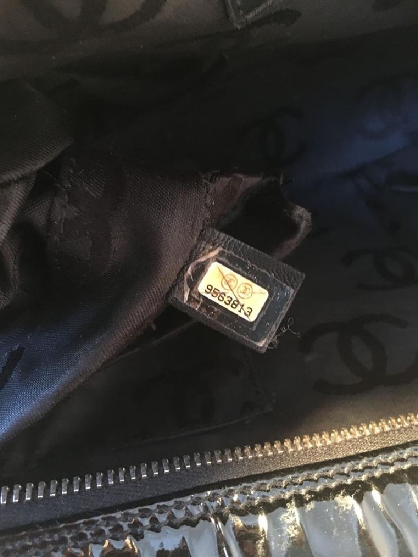 Chanel Black Patent Leather Quilted CC Logo Handbag - 4