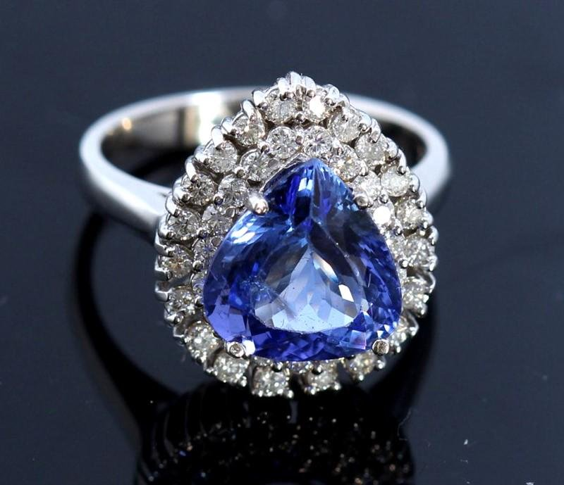 4.21ct Tanzanite 18K White Gold Ring