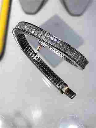 15.95ct Princess cut Diamond 18K White Gold Bracelet