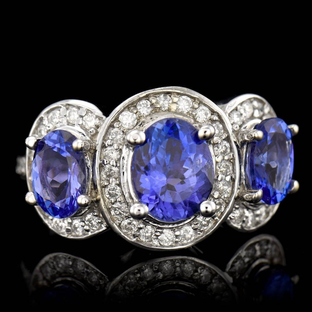 ONE CENTER OVAL CUT TANZANITE TW: 1.94CTS