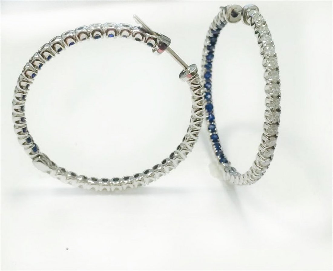 BLUE SAPPHIRE RD 1.56CT,  18K W/G EARRING 4.47GRAM /