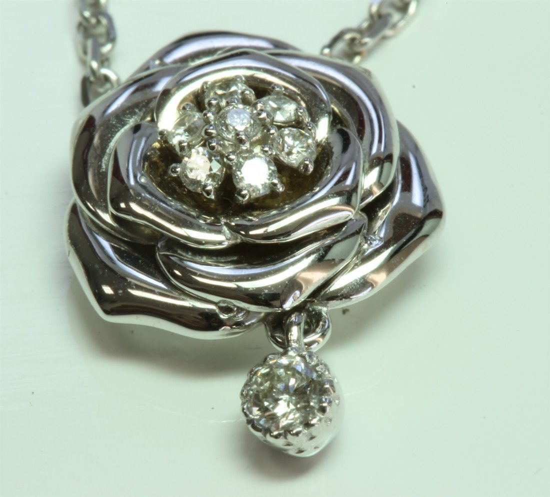 14K WHITE GOLD ROSE PENDANT WITH