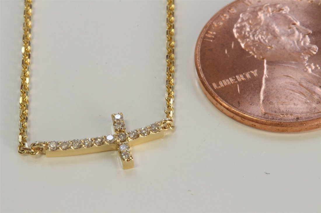 14K YELLOW GOLD CROSS PENDANT WITH CHAIN