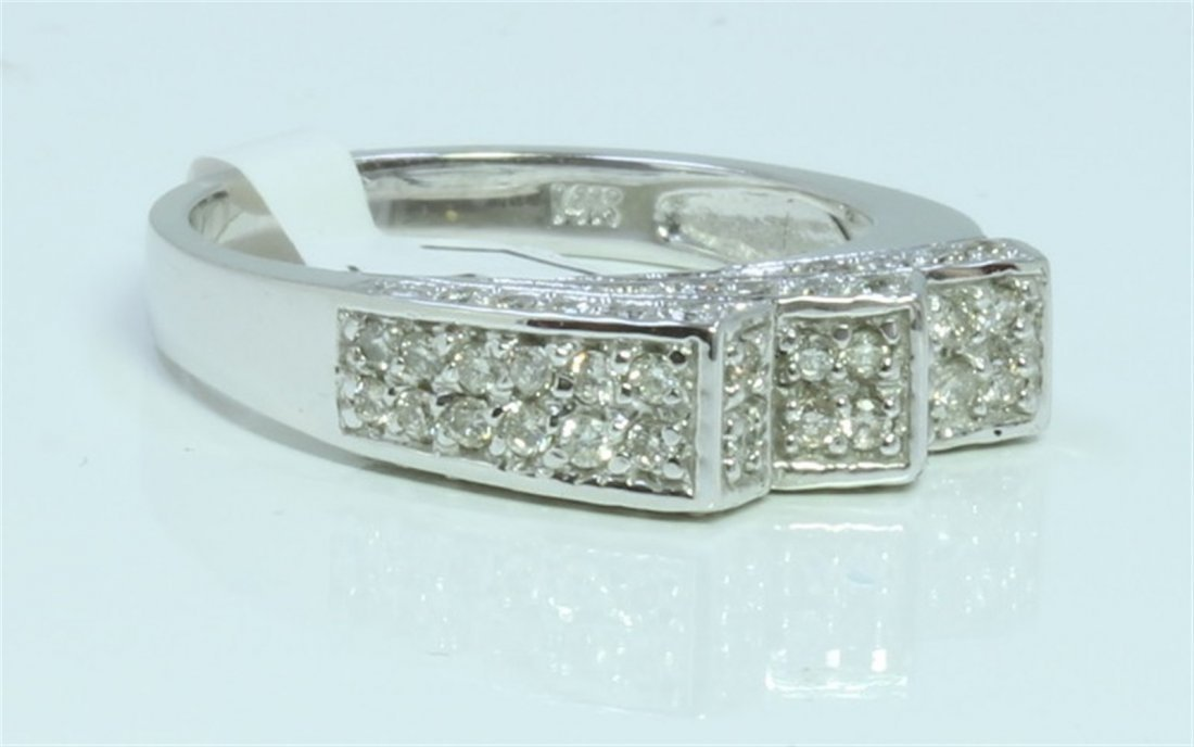 14K WHITE GOLD RING 4.68GRAM  DIAMOND RD 0.52CT