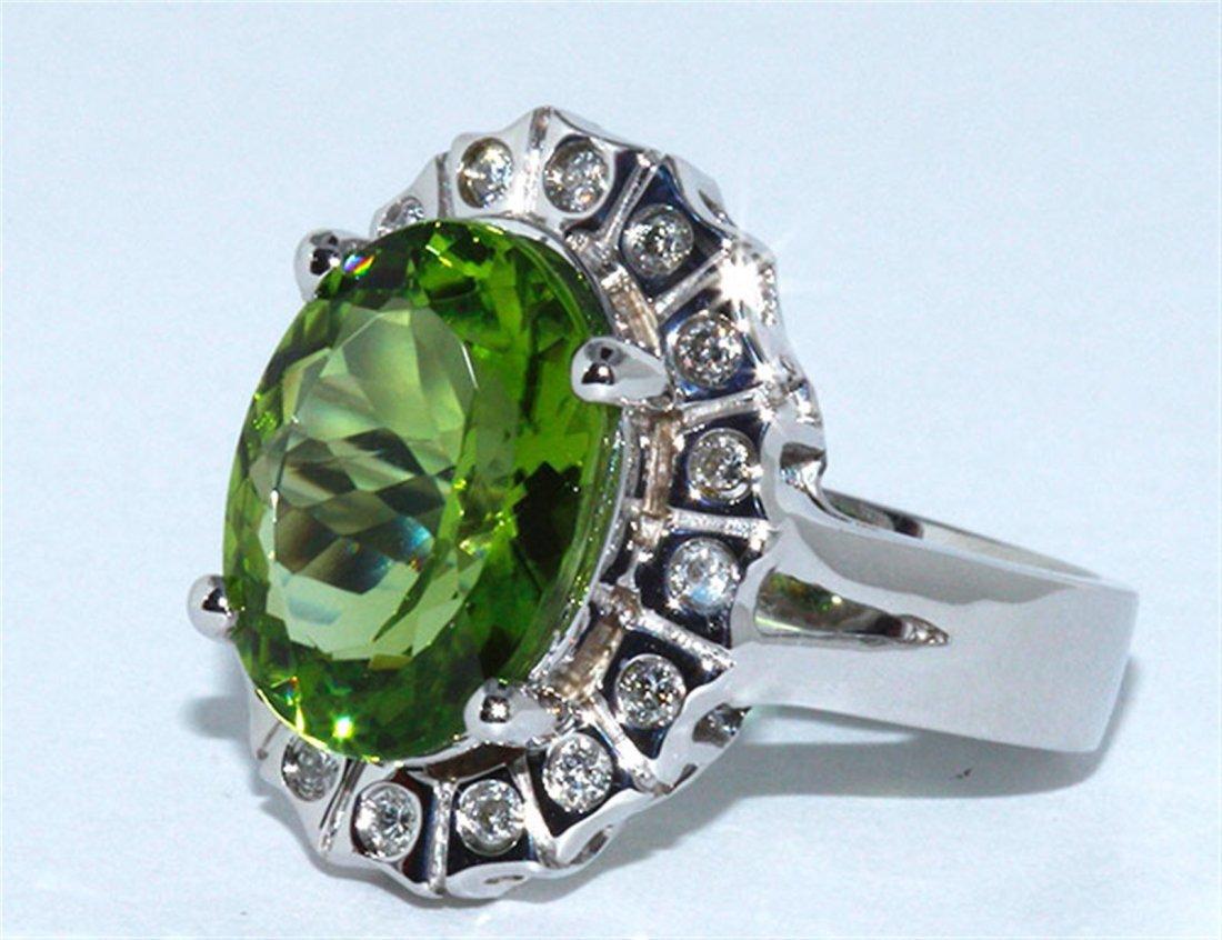 Peridot  5.0 ctw / Diamond Ring m14KW