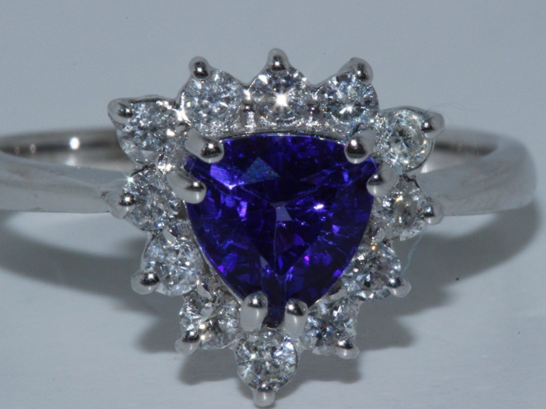 Tanzanite w/ Diamond Ring Tanzanite 1.21ct