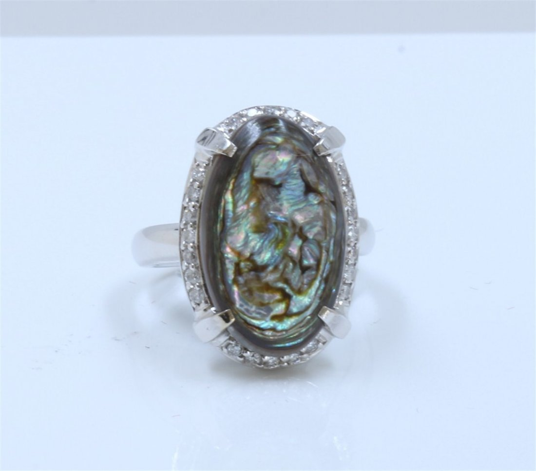 14K White Gold Mother of Pearl