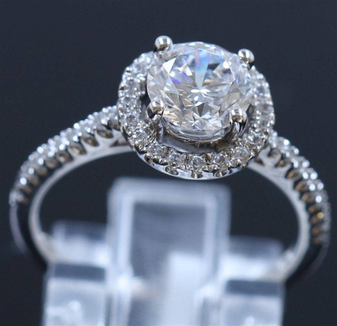 Silver & Cubic Zirconia Ring:2.39gms/Cubic - 2