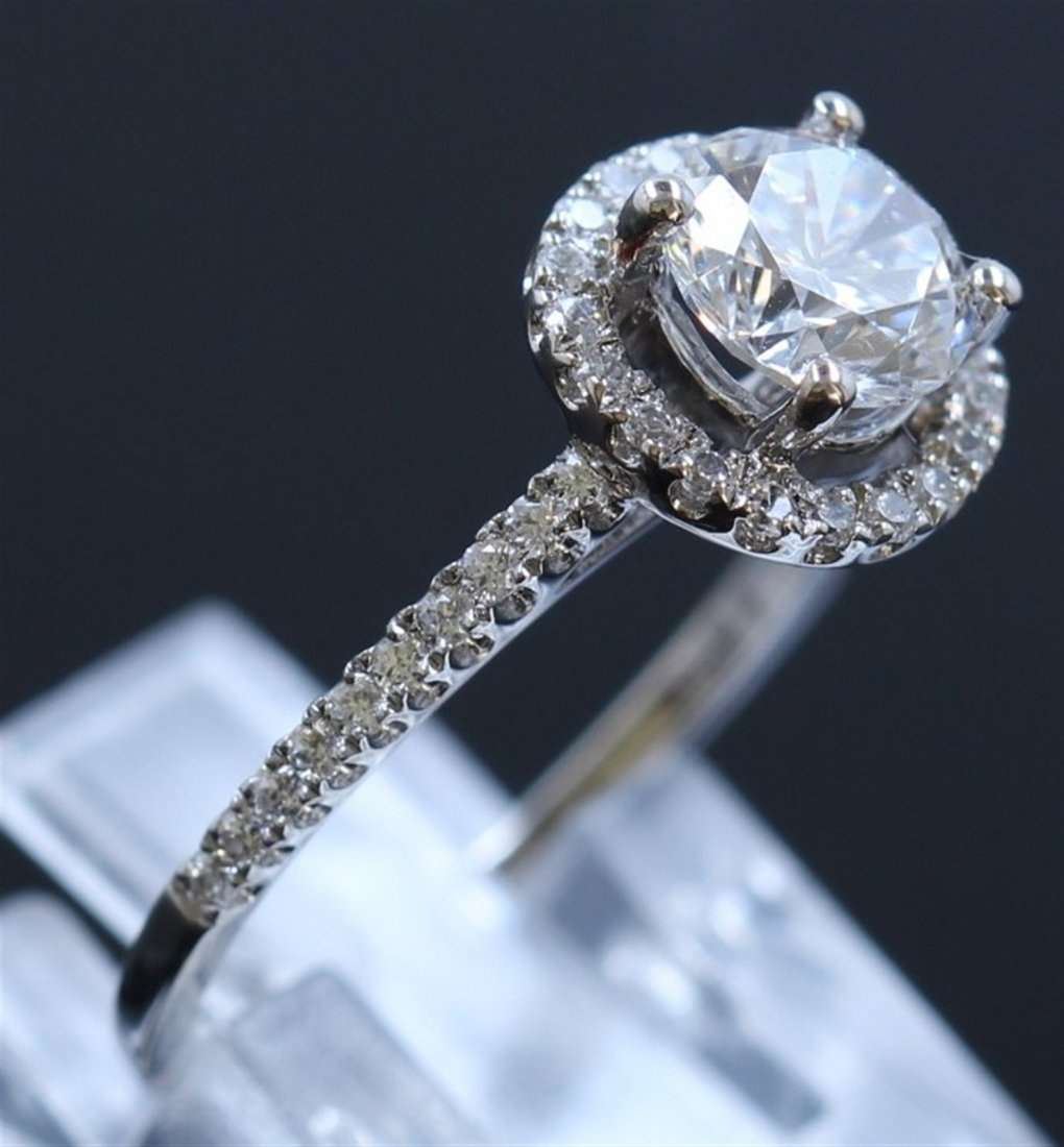 Silver & Cubic Zirconia Ring:2.39gms/Cubic - 3