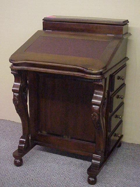211: Davenport Desk