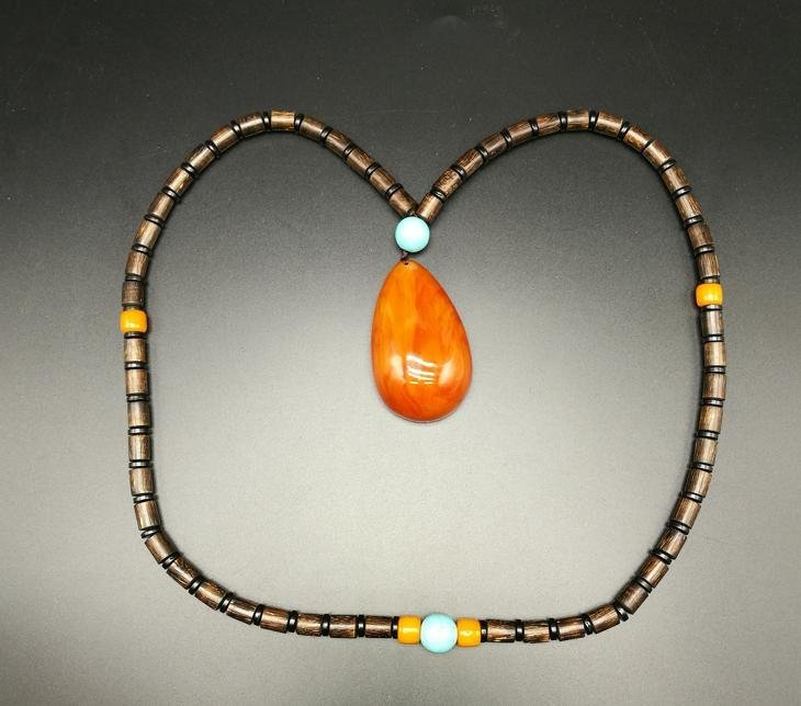 Chinese chenxiang and Amber Necklace - 2