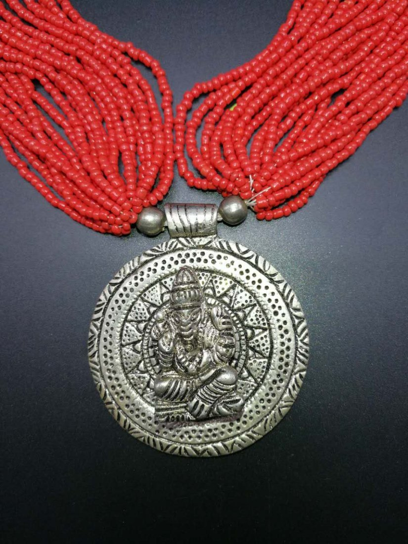 Chinese Coral Necklace - 2