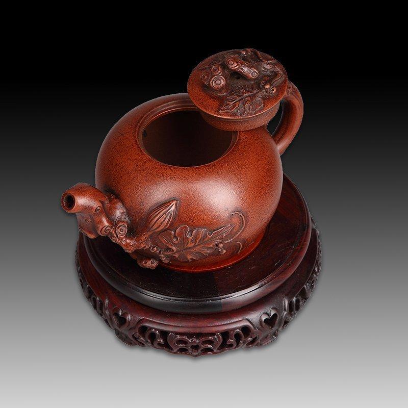 Chinese zisha teapot and cover.(Mark of Wang yinxian). - 4