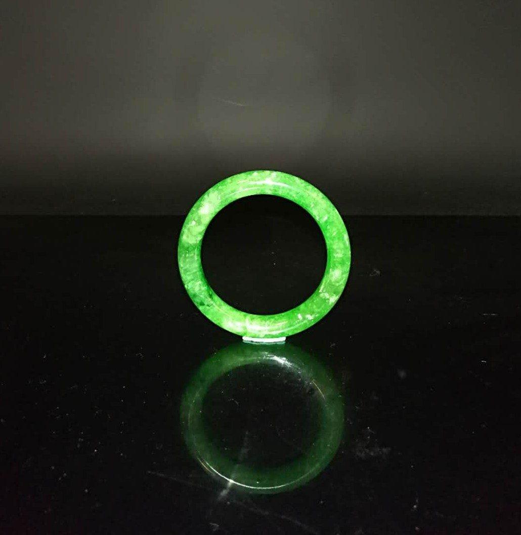 Chinese Qing Dynasty Jade Bracelet