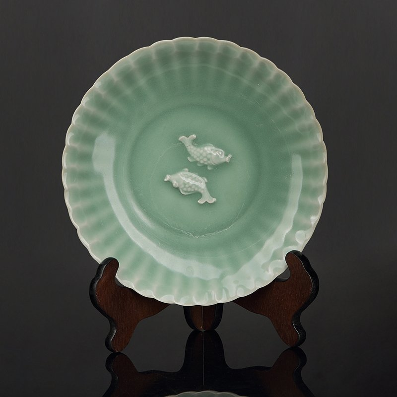 Chinese Song Longquan Porcelain plate