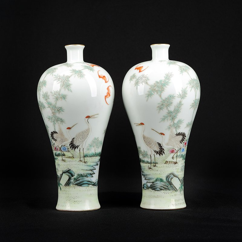Pair of Chinese Famille Rose Porcelain Vase