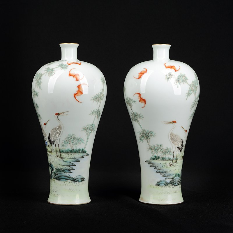 Pair of Chinese Famille Rose Porcelain Vase - 2