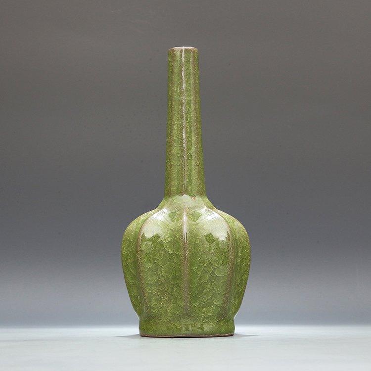 Chinese Guan kiln Green glaze Porcelain Vase