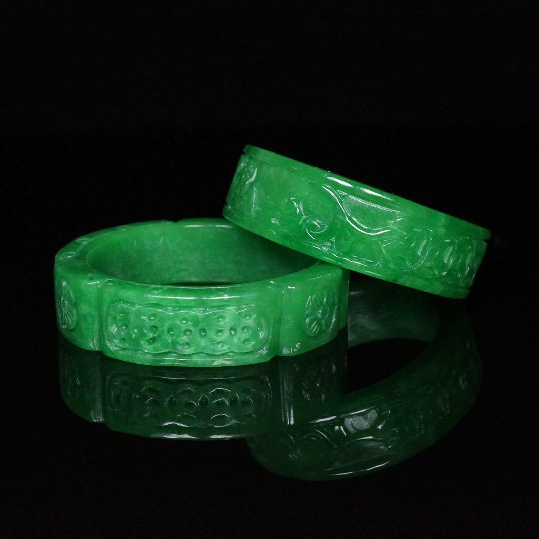 Pair of Chinese Qing Dynasty Jade Bracelets