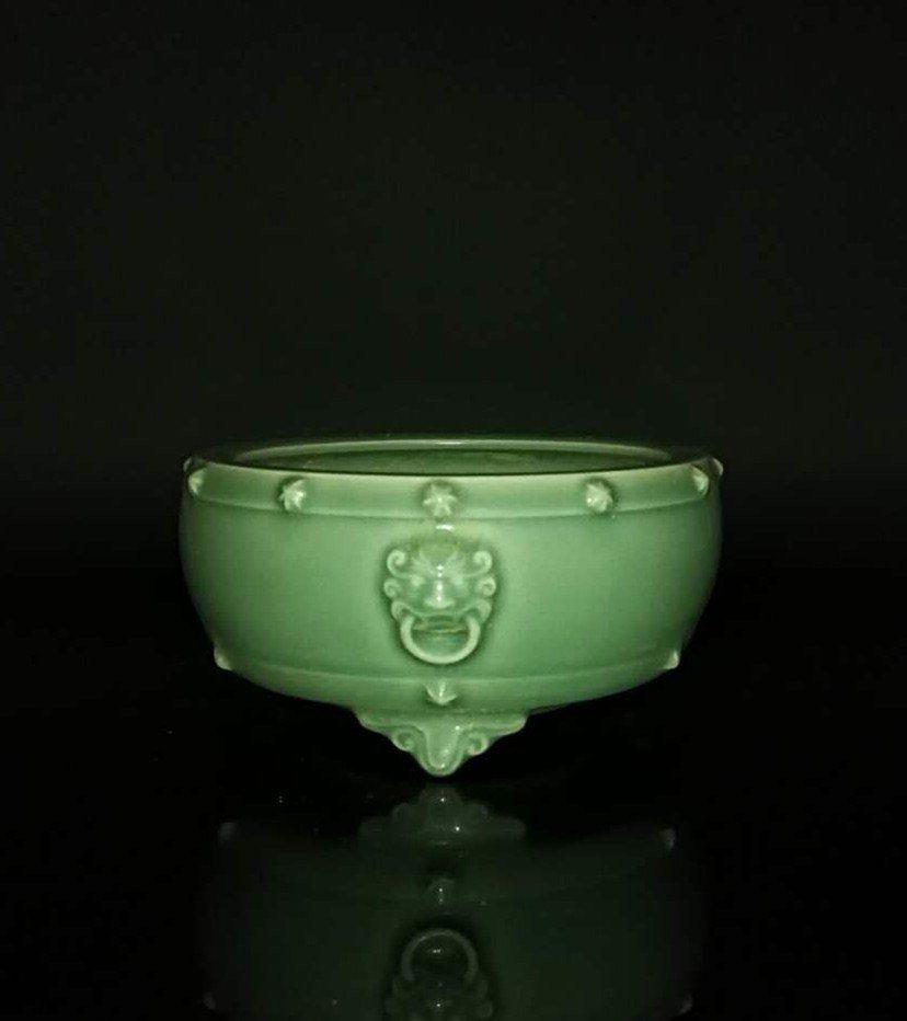 Chinese Longquan Kiln Porcelain Tripod Censer