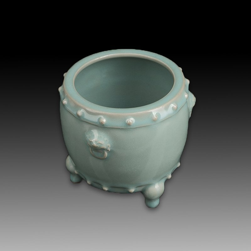 Chinese Longquan Kiln Porcelain Tripod Censer - 2