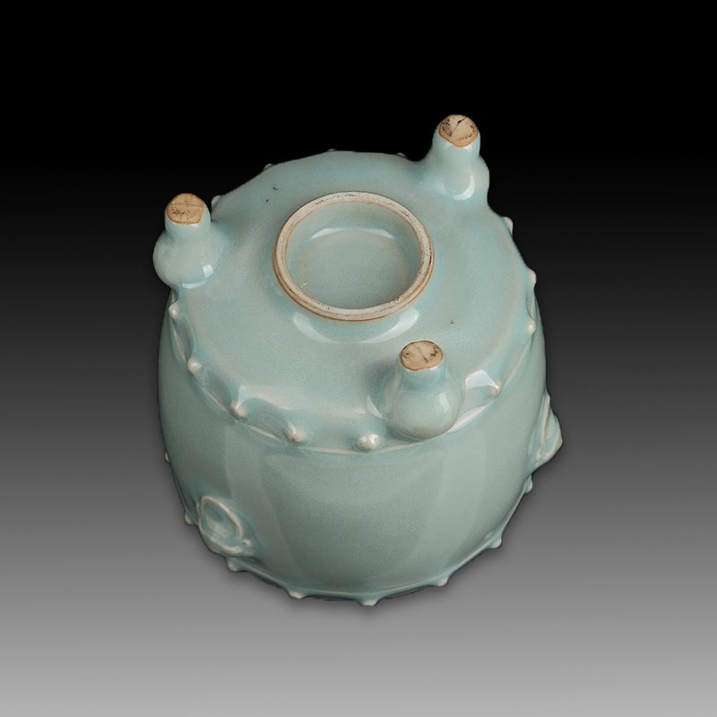 Chinese Longquan Kiln Porcelain Tripod Censer - 3