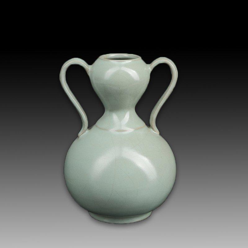 Chinese Ru kiln Two ears Porcelain Vase - 4