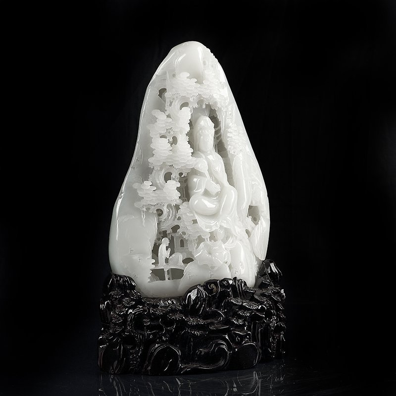 Chinese Qing Hetian Jade Carved with Guanyin - 3