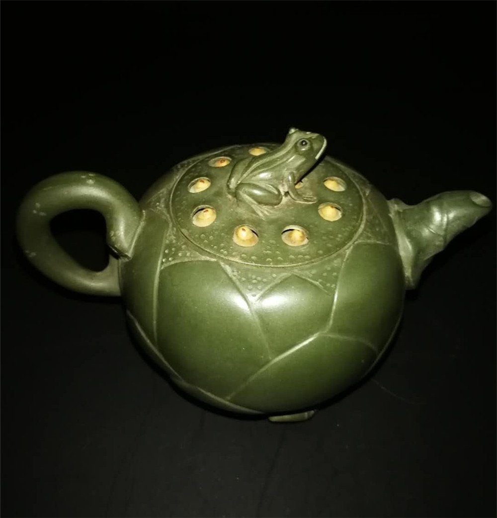 Chinese zisha teapot and cover.(Mark of Jiang Rong) - 2