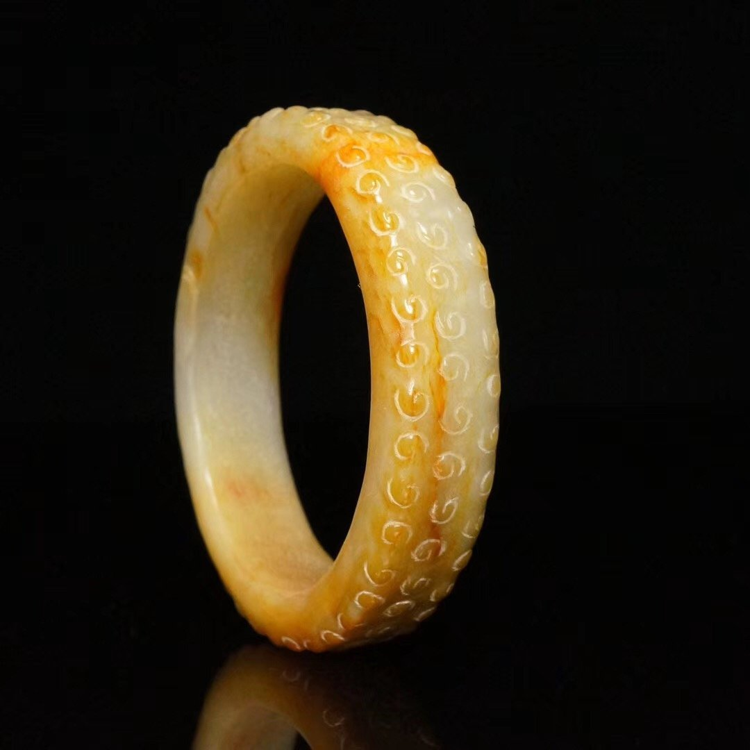 Chinese fine Han Dynasty carved jade bangle - 3