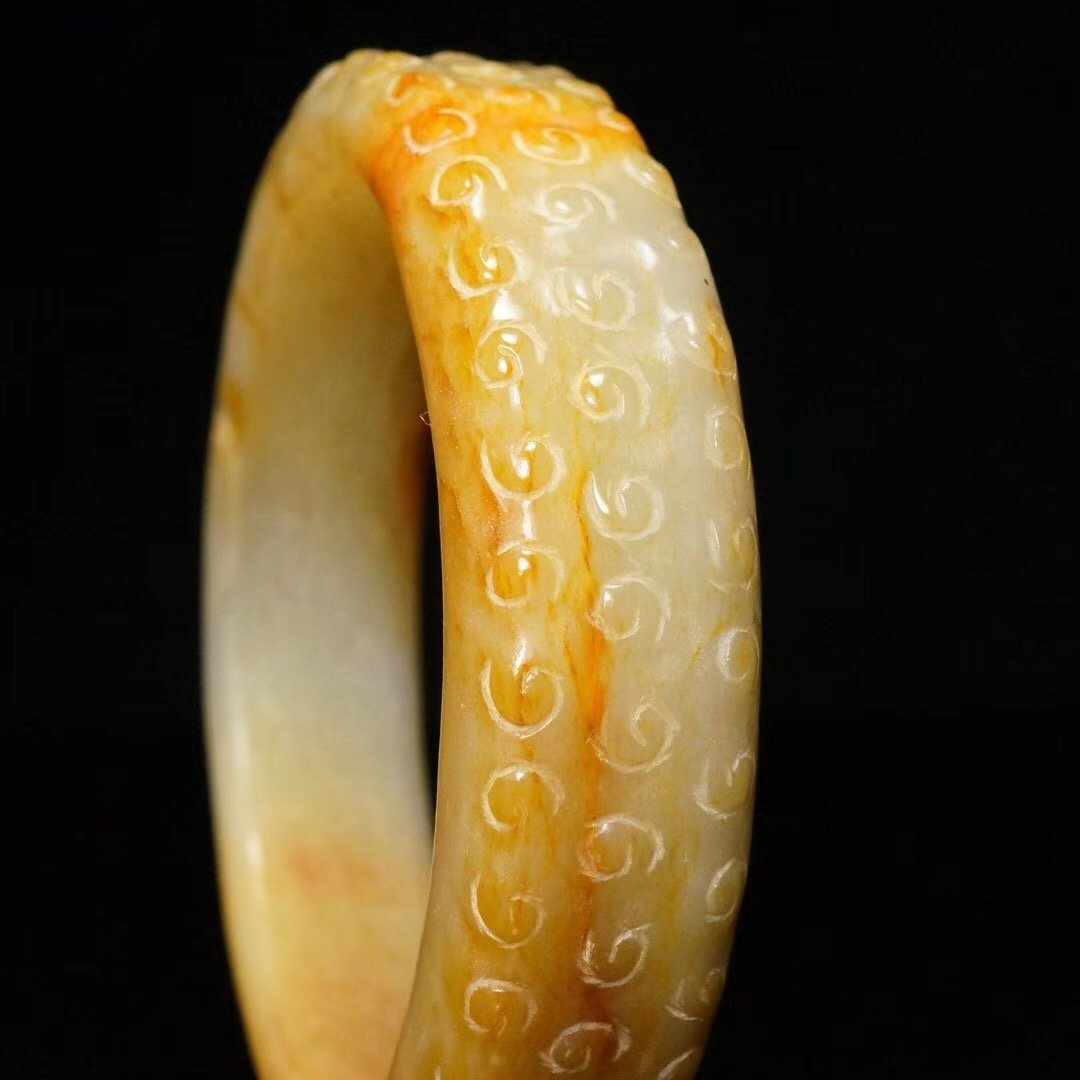 Chinese fine Han Dynasty carved jade bangle - 4