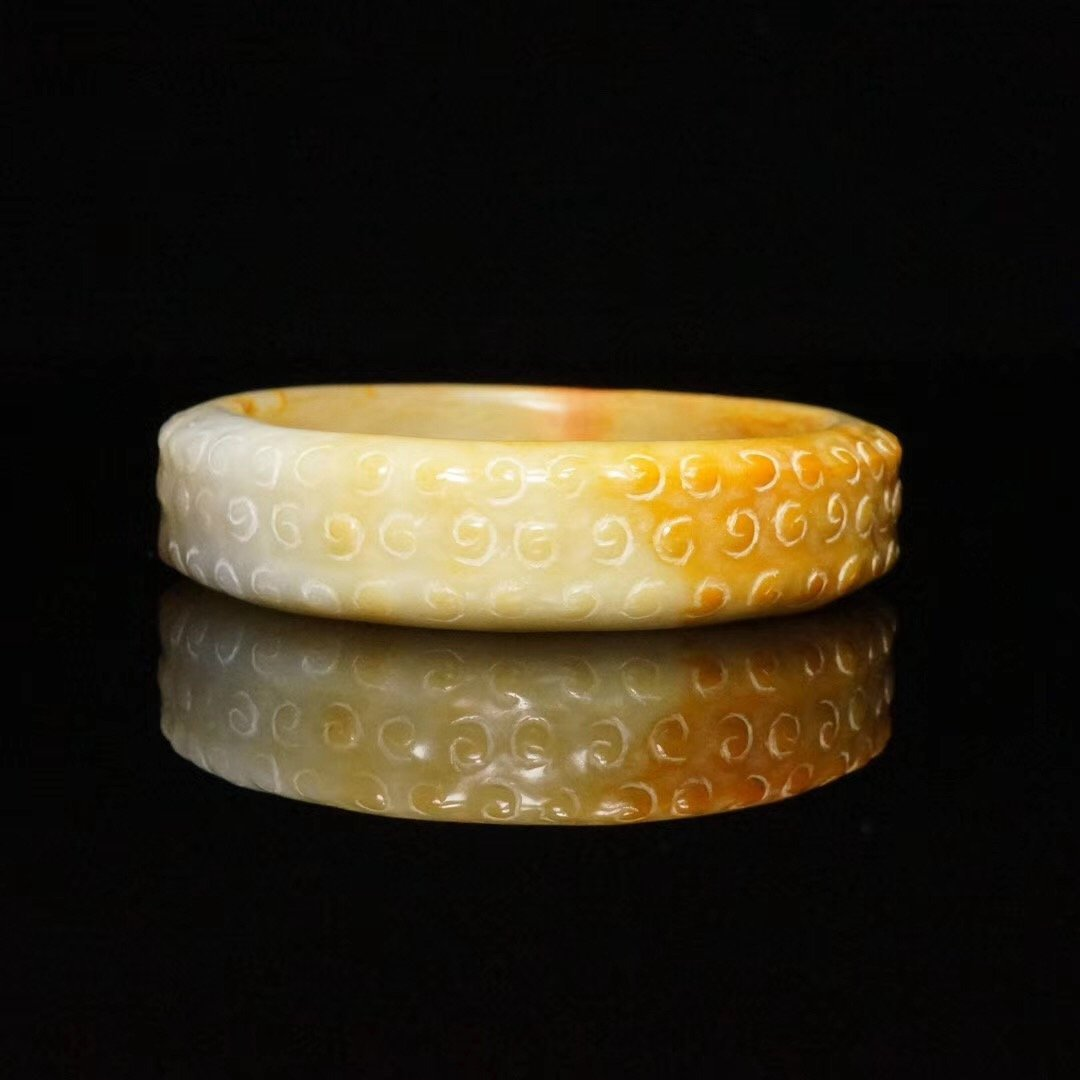 Chinese fine Han Dynasty carved jade bangle - 5