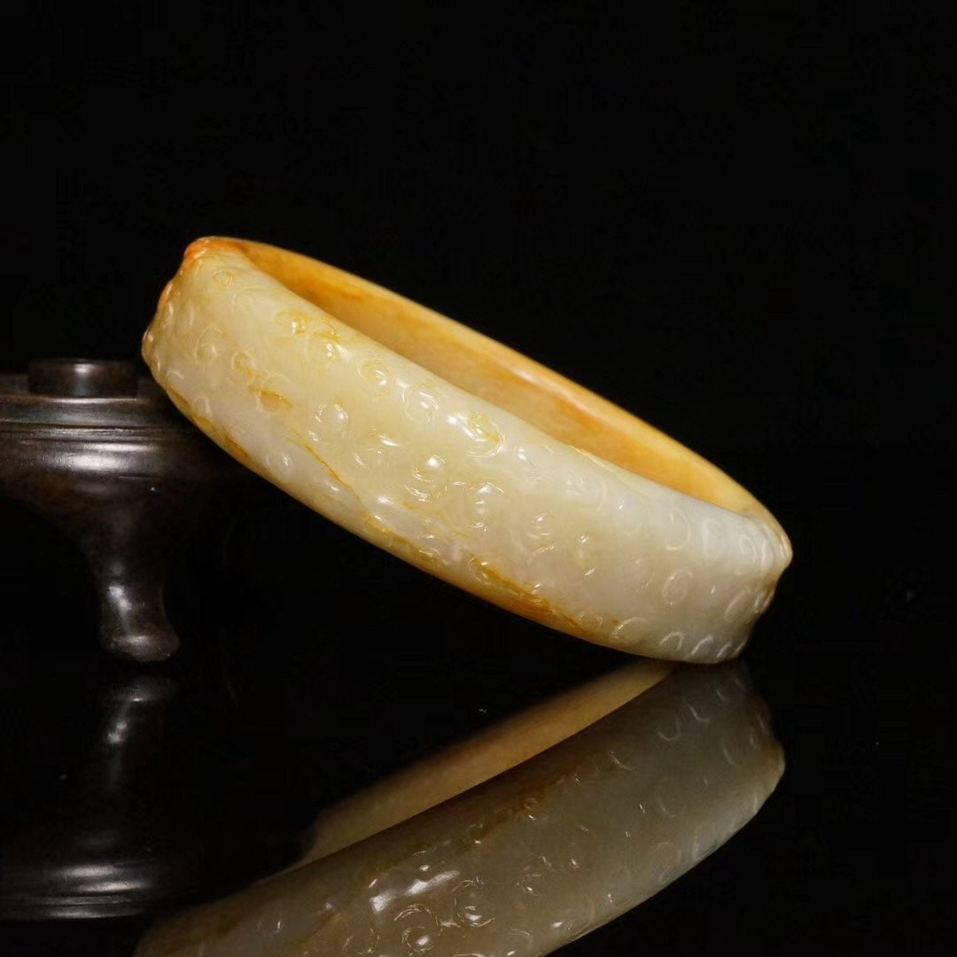 Chinese fine Han Dynasty carved jade bangle - 6