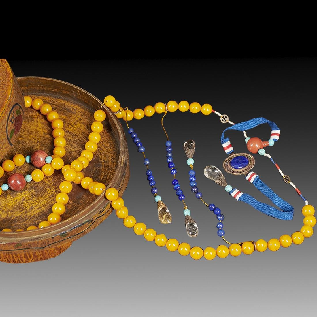Chinese Amber Court Necklace and Box - 2