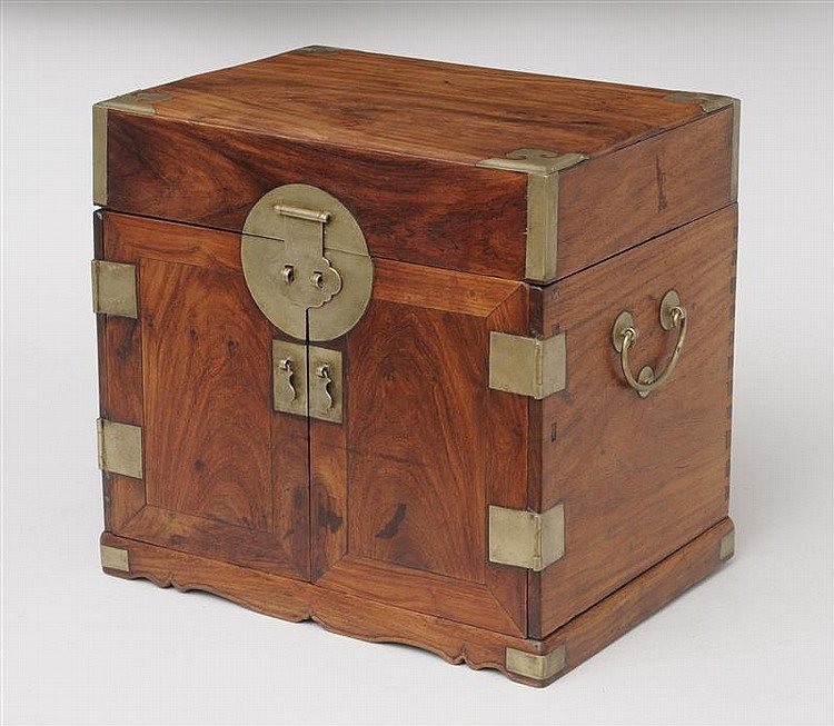 MING BAITONG-MOUNTED HUANGHUALI TABLE CABINET