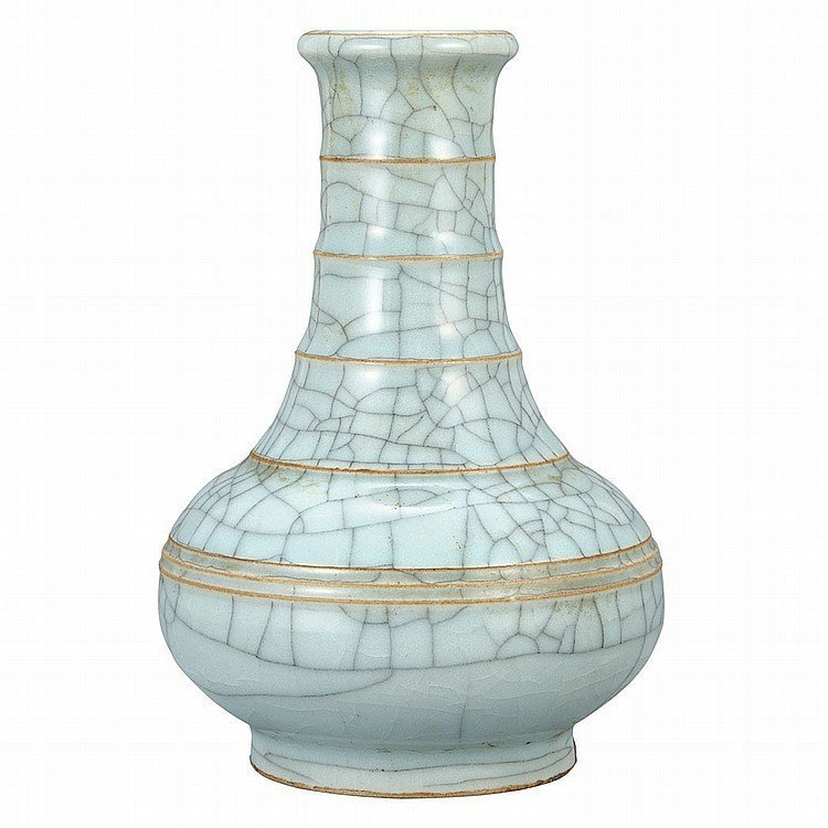 Qing Vase ,imitated Song Dynasty style.16cm in height.