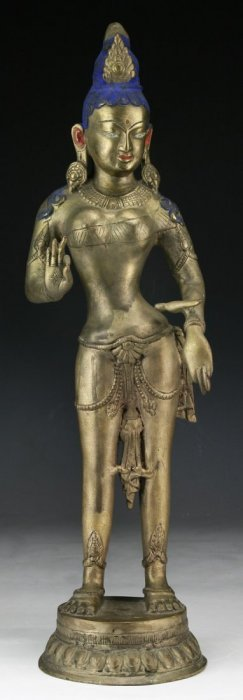 A Nepalese Antique Bronze Avalokitesvara/guanyin