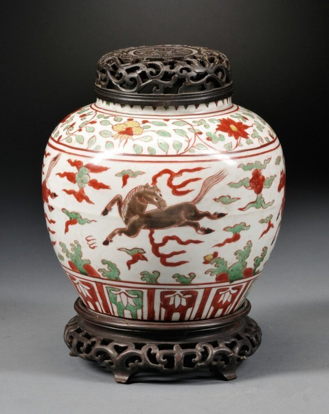 Covered Jar, China, 16th century, ovoid, depicting the