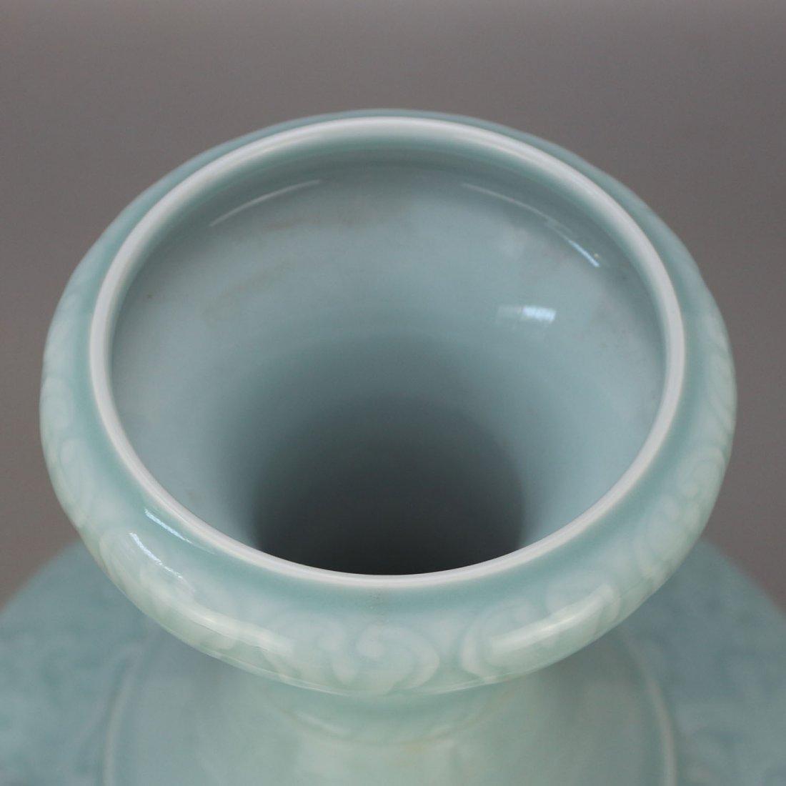 Qing qianlong azure glaze carving string lines three - 2