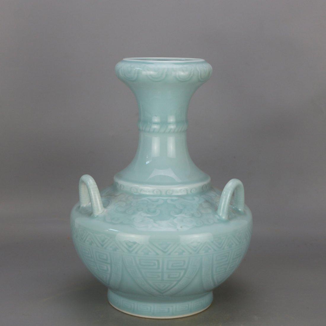 Qing qianlong azure glaze carving string lines three - 5