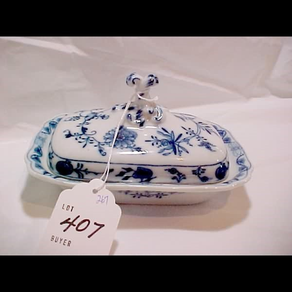 407: Meissen Blue Onion Covered Dish