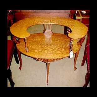 Dainty Oak Side Table