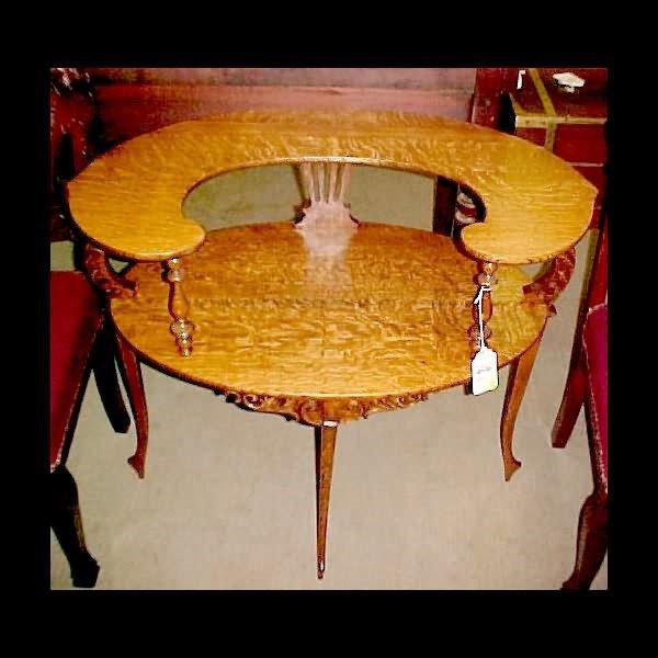 416: Dainty Oak Side Table