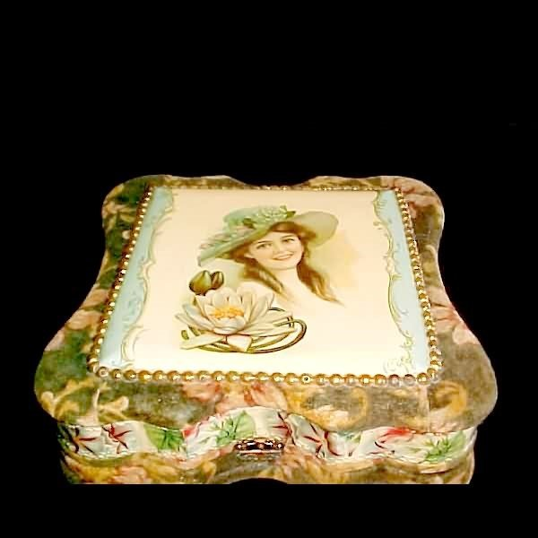 1004: Victorian Girl Celluloid Top Vanity Box