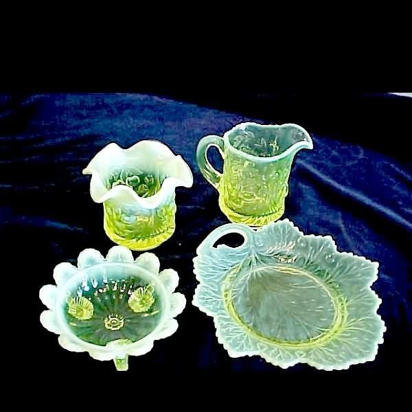 1009: 4 Pcs. Vaseline Glass w/Opalescent Trim