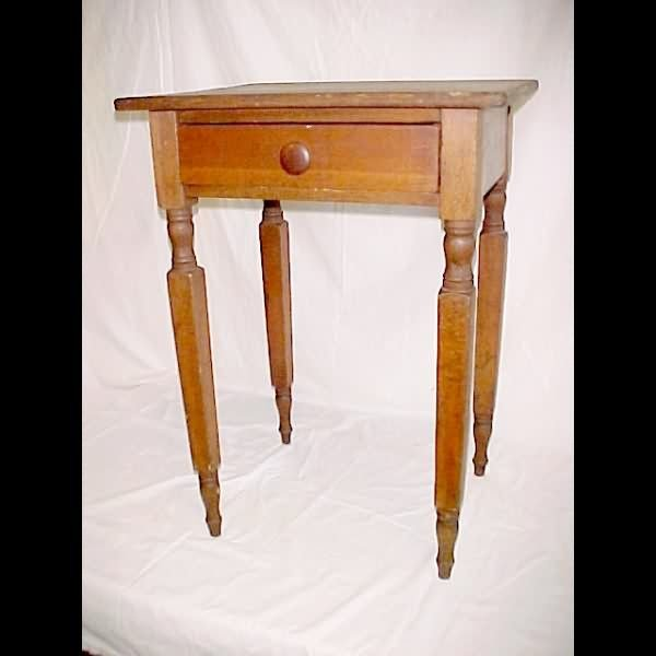 1022: c.1840 Softwood 1-Drawer Stand