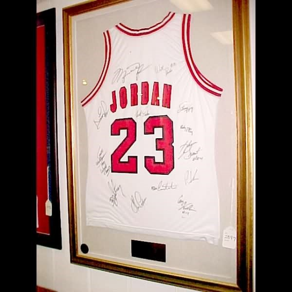 2097: Michael Jordan Signed Jersey, 1993 Champs