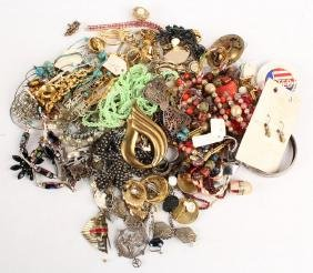 LADIES COSTUME JEWELRY--NECKLACES, BROOCHES & MORE