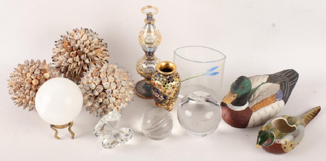 MIXED DECOR ITEMS--SEA SHELLS, GLASS, & MORE